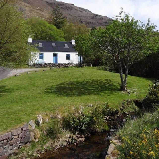 Le rve cette petite maison juste en face du Lochhellip
